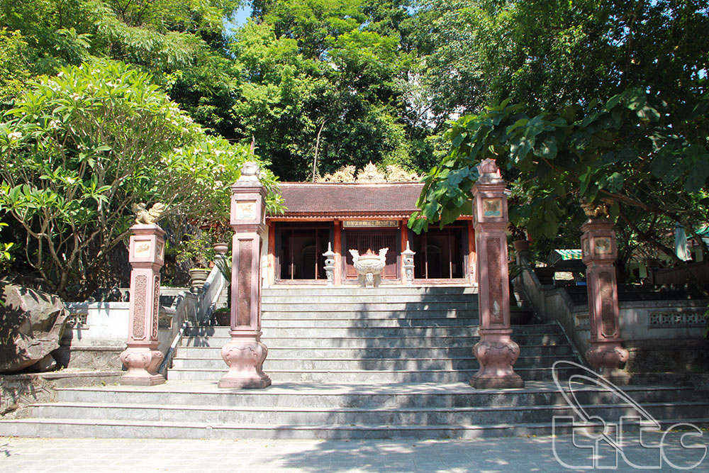 Đền tưởng niệm các anh hùng liệt sĩ Đường 20 - Tác giả: Bùi Huy Hoàng