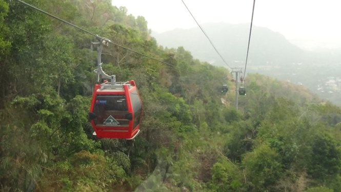 Cable car service to An Giang's mountain peak launched