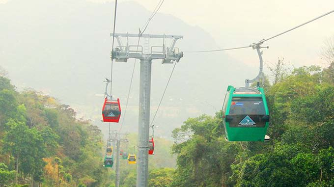 Taking a new cable car ride to Cam Mountain