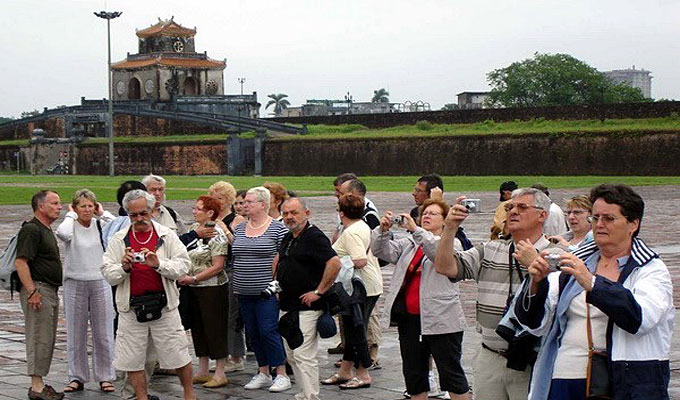 Thua Thien-Hue welcomes 100,000 tourists during Tet
