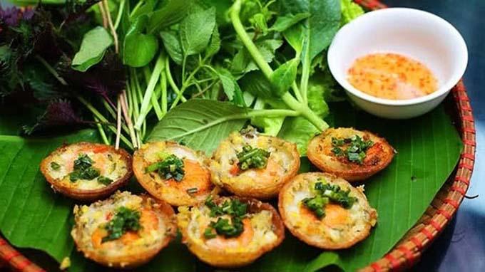 Banh Khot – A tasty crispy pancake in southern Viet Nam