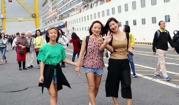 Da Nang serves nearly 329,000 visitors during Tet