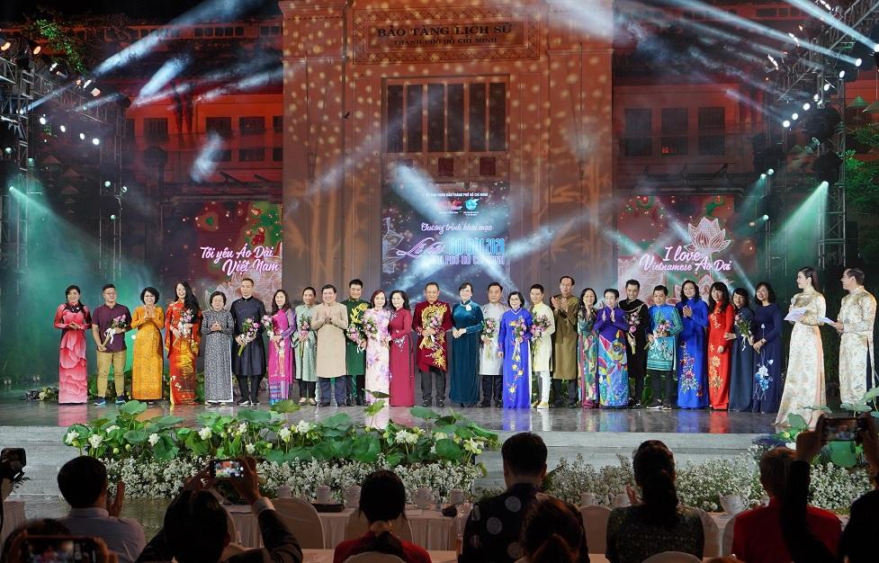 Tưng bừng khai mạc Lễ hội Áo dài thành phố Hồ Chí Minh lần thứ 7 năm 2020