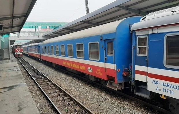 Additional return trip on Hanoi-HCM City rail route to run from April 23